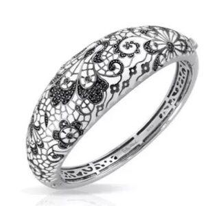 Belle Etoile Fleur De Lace Bracelet NWOT